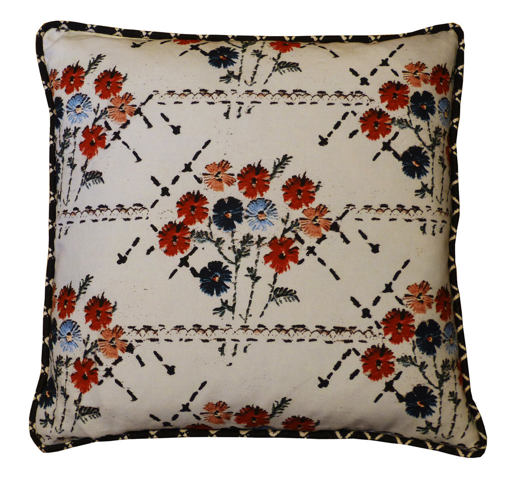 cushion in embroidery bouquet fabric white.jpg