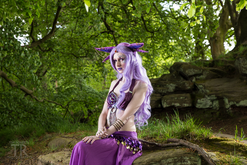 Espeon In the forest - Emma