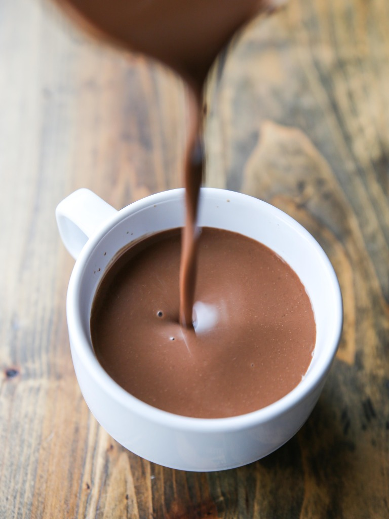 Paleo, low-glycemic gluten free dairy free adaptogenic super foods hot cacao with collagen, maca and ashwagandha for stress management, how to eat healthy, health tips for women, how to manage stress, how to manage anxiety, help for anxiety attacks, how to reduce stress, or if you're feeling burnout.