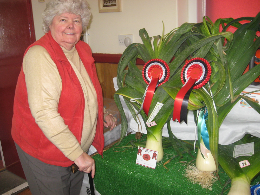 2015 Champion Dot Stuart with her winning leeks.