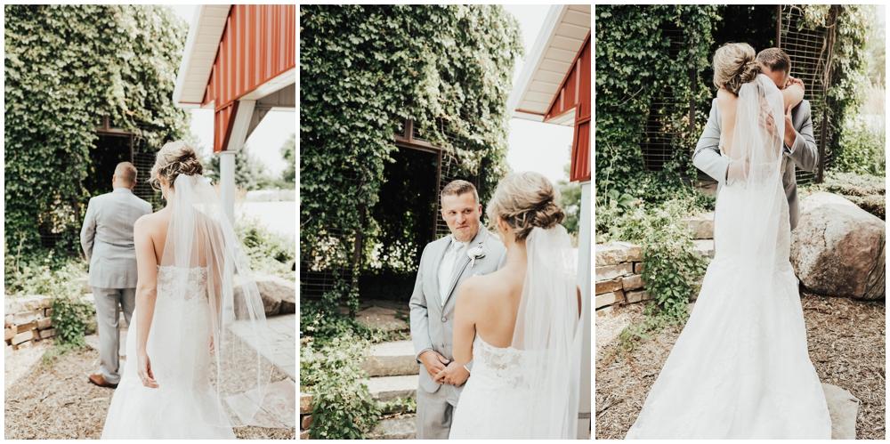 MN Wedding Venue. CHASKA Minnesota Wedding_0024.jpg