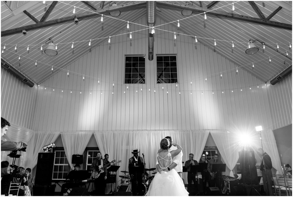 Minnesota-Wedding-Venue- Chaska-MN-Rustic-Barn-Weddings_0598.jpg