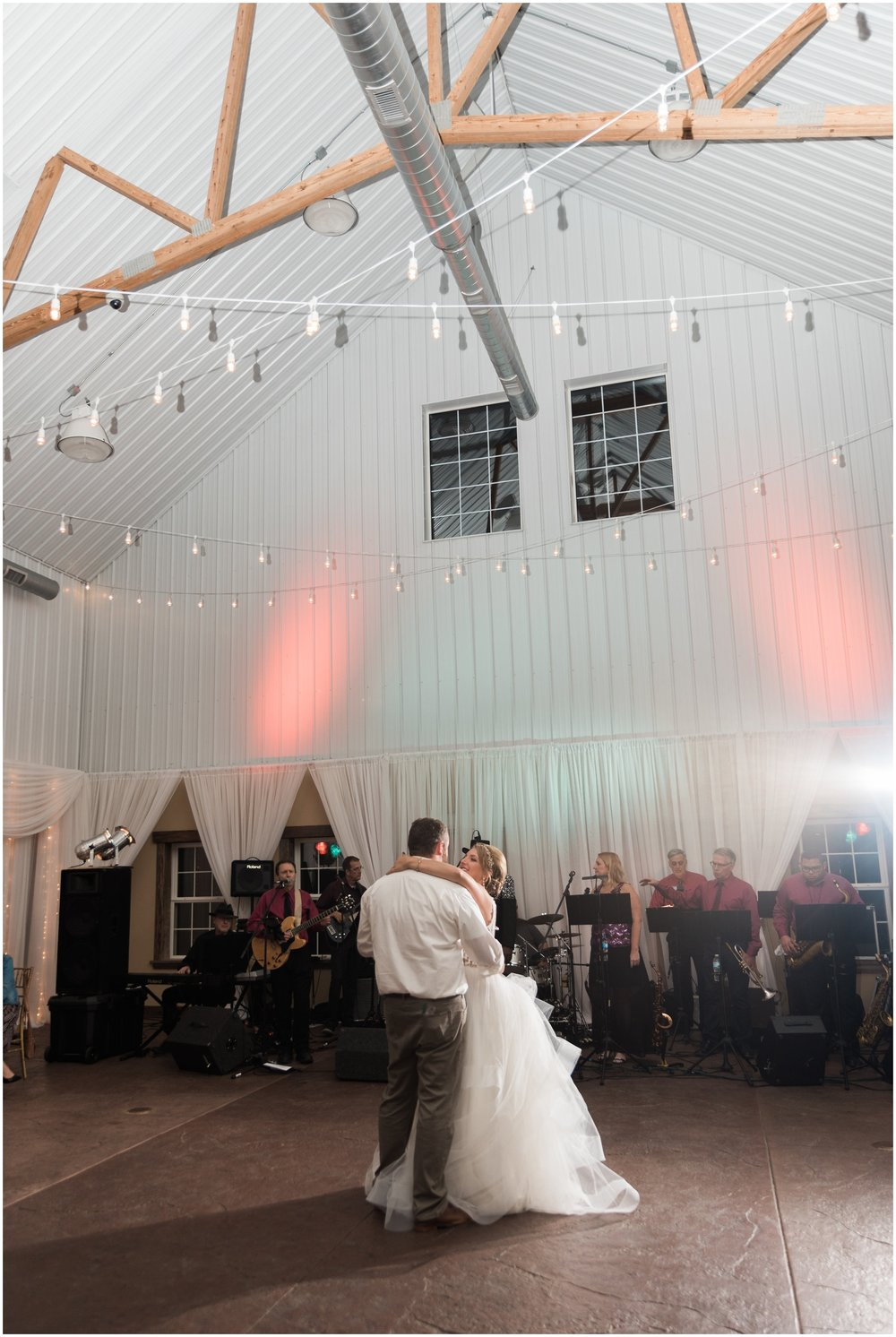 Minnesota-Wedding-Venue- Chaska-MN-Rustic-Barn-Weddings_0614.jpg