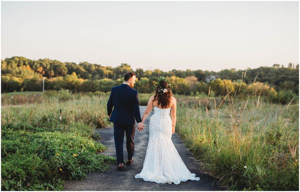 bride and groom for Minnesota wedding