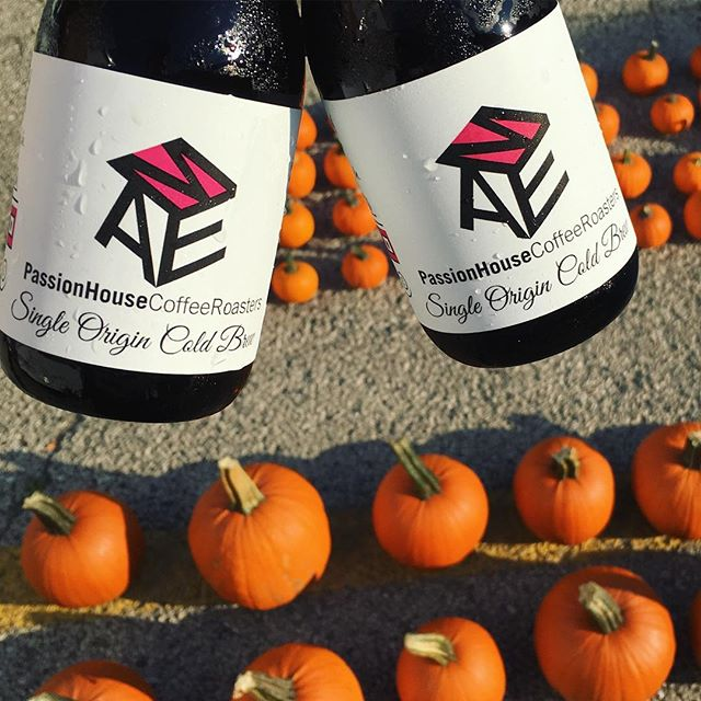 Feeling adventurous? Come by the @evanstonfarmersmarket and take a crack at making your own #pumpkinspice #coldbrew - stay cool today!