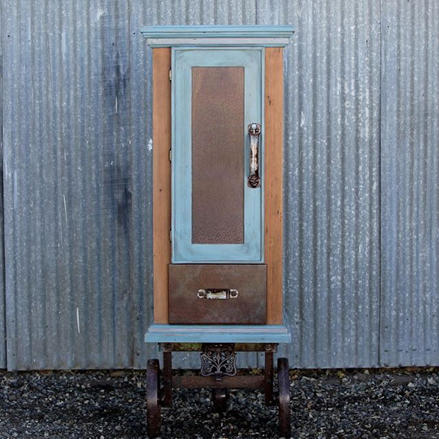 Fantastic Farm Fair, thank you @countycorkinmerrill! The Farmall hutch went to a good home today. #madeinoregon #milkpaint #farmfair2016 #oregonfarms #countycorkcollectibles #merrilloregon