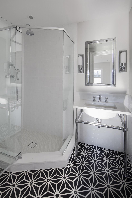 Upper Bath 1.jpg