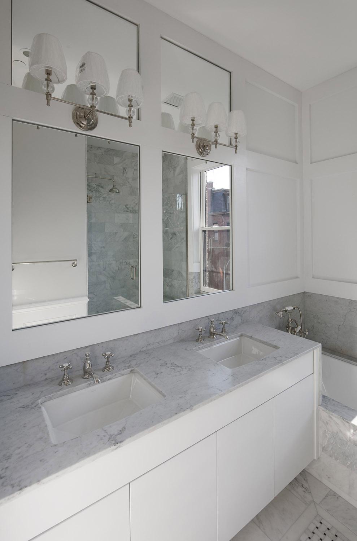 Upper Master Bath 1.jpg