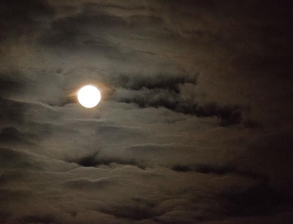 Moon 03.jpg