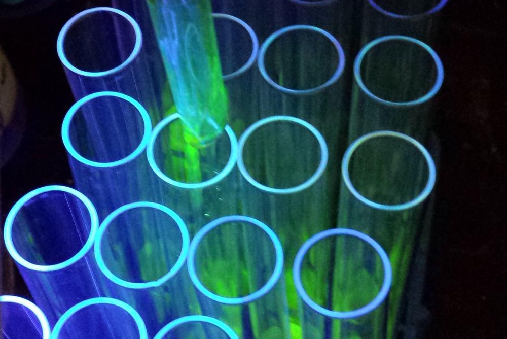 Column Chromatography of Fluorescent Molecule 4x6.jpg