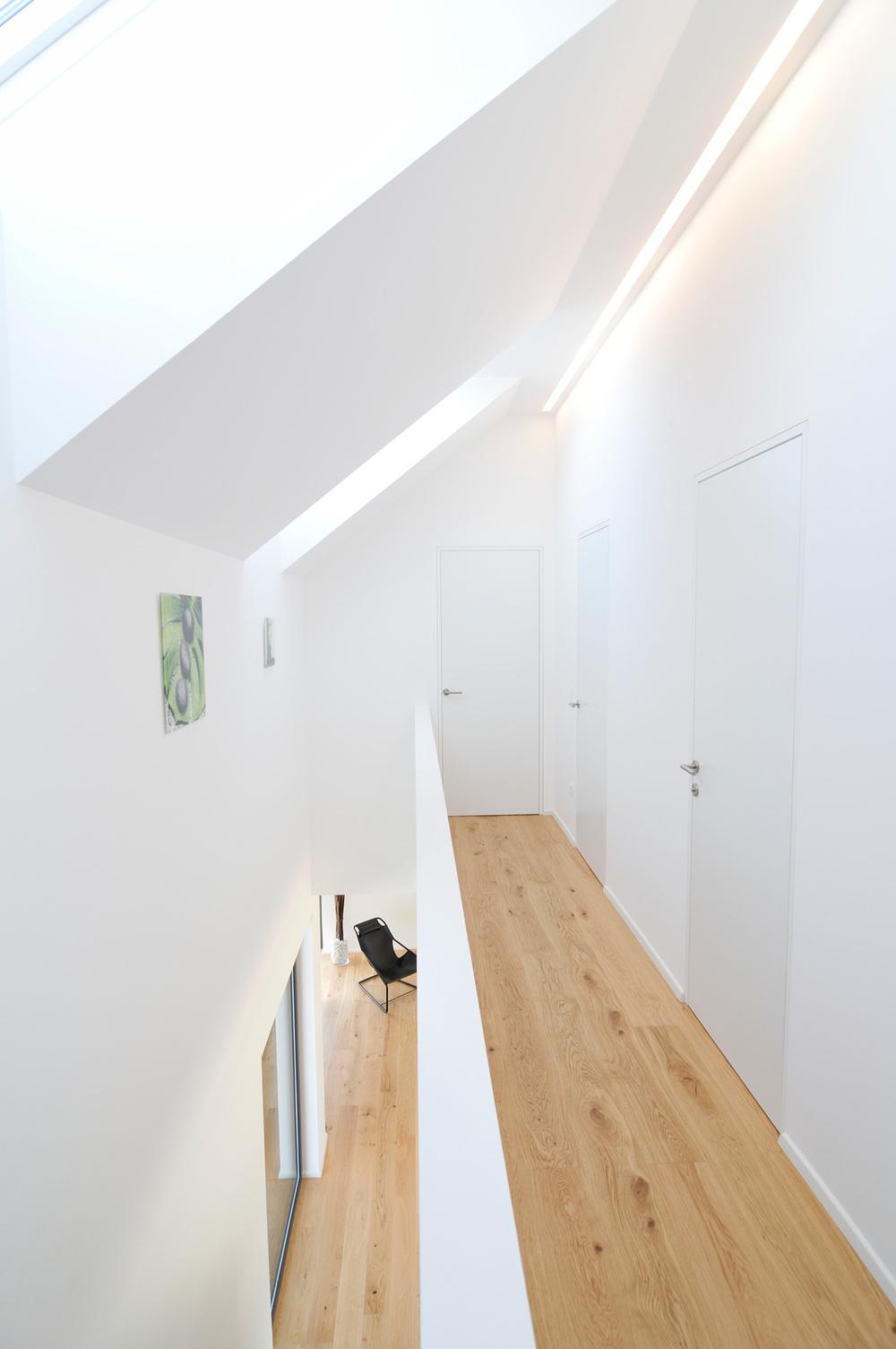 Notranjost aktivne hiše Lumar - hodnik