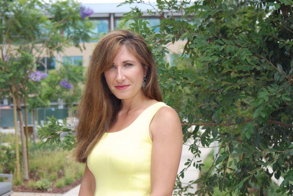 Nellie Peshkov, Advancing Women Executives Leader