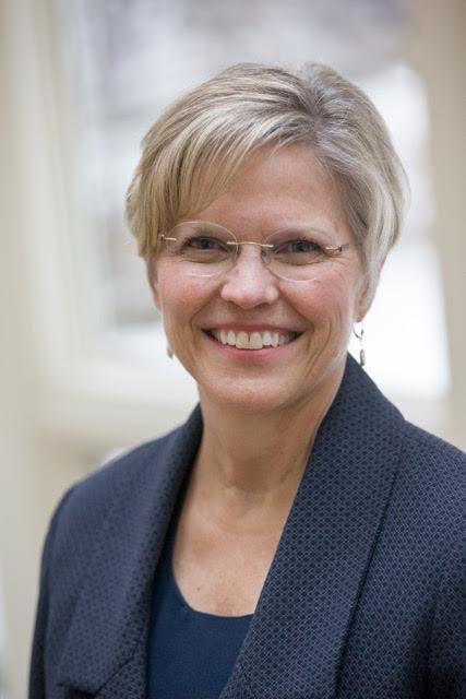 Lisa Burns, Advancing Women Executives Leader