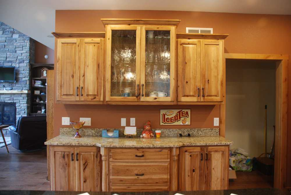 11-1.4  Raised Panel - Stained Hickory