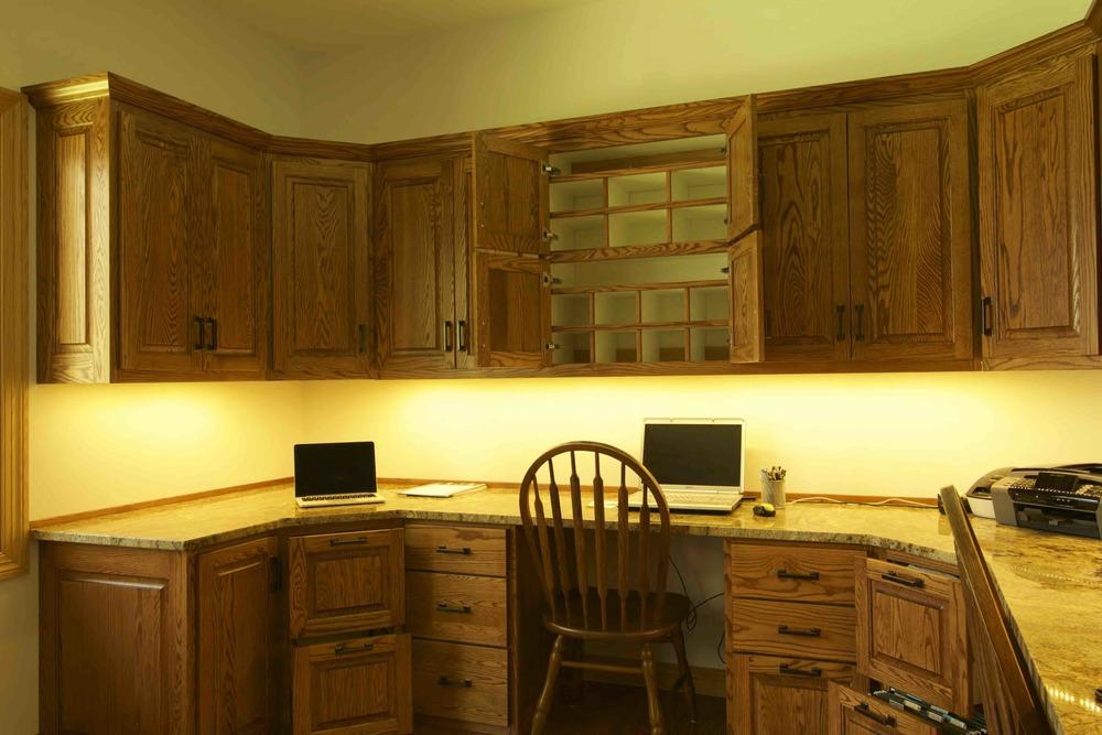15-4.6  Raised Panel - Stained Oak