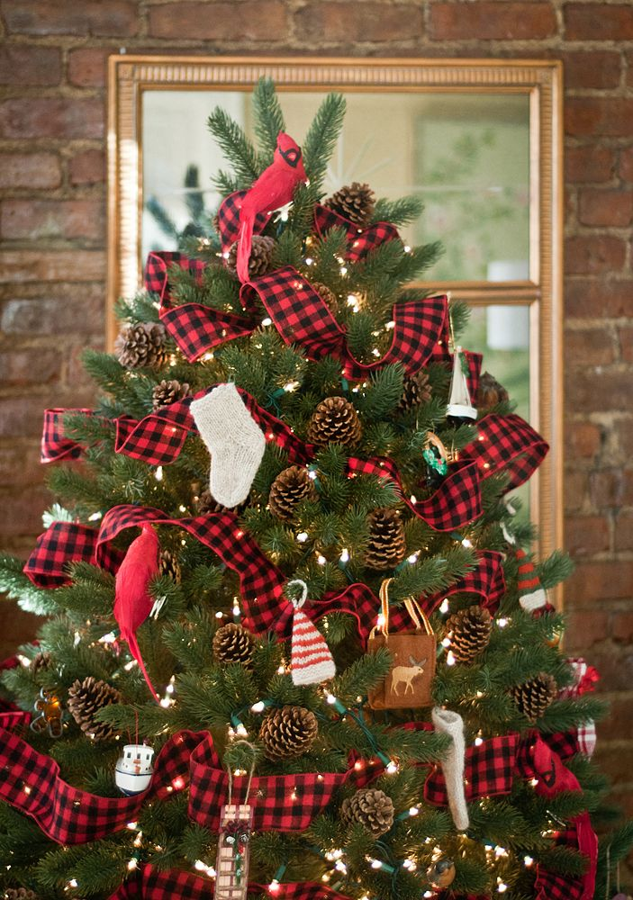 tartan tree decor
