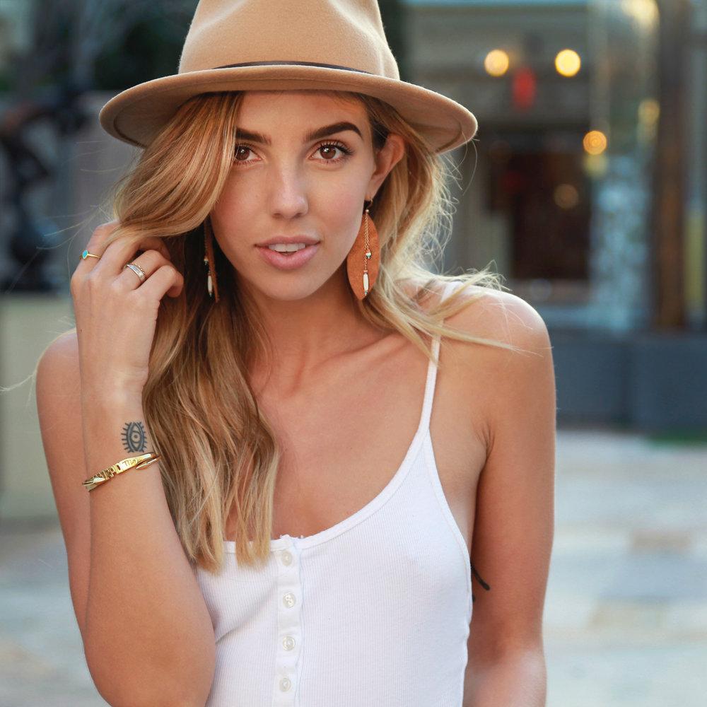 Coachella Earring Model