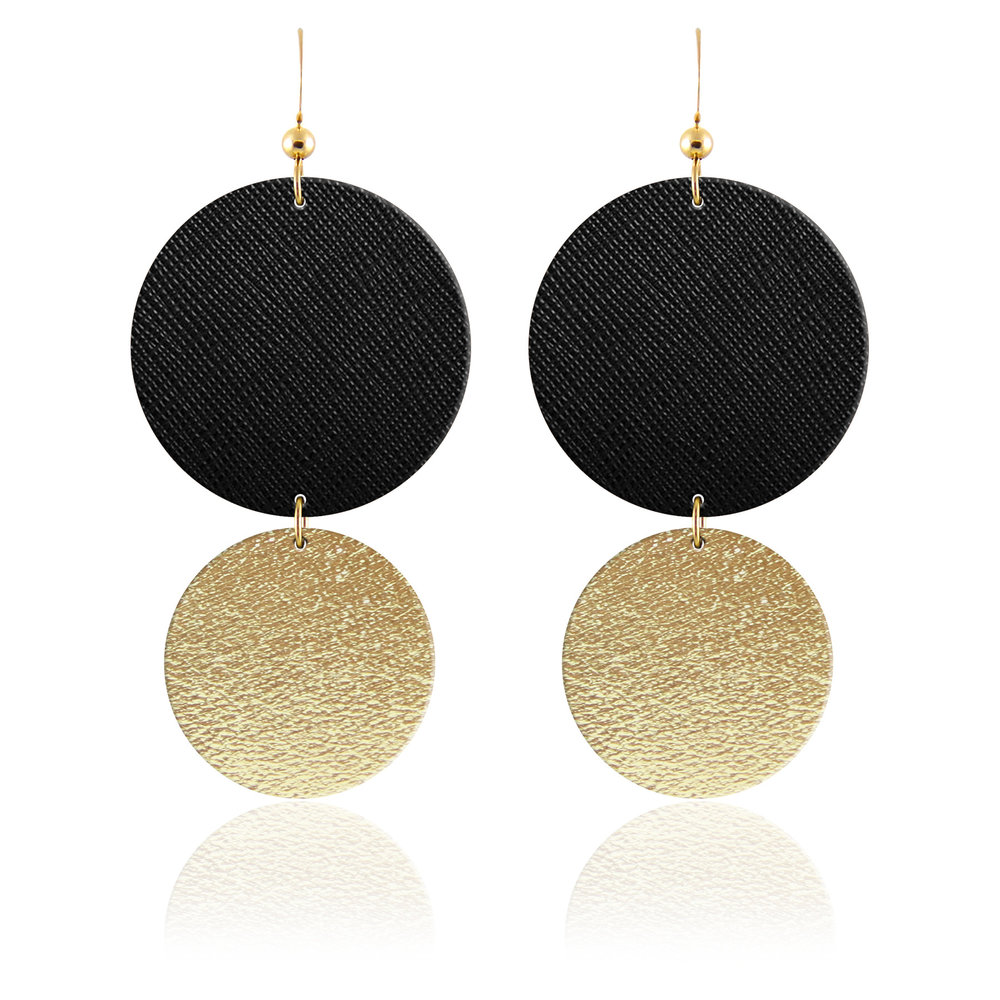 These  Midnight Gold Halo Aha Crafted earrings  would be the perfect add-on leather accessory for these two stunning denim & leather ensembles!