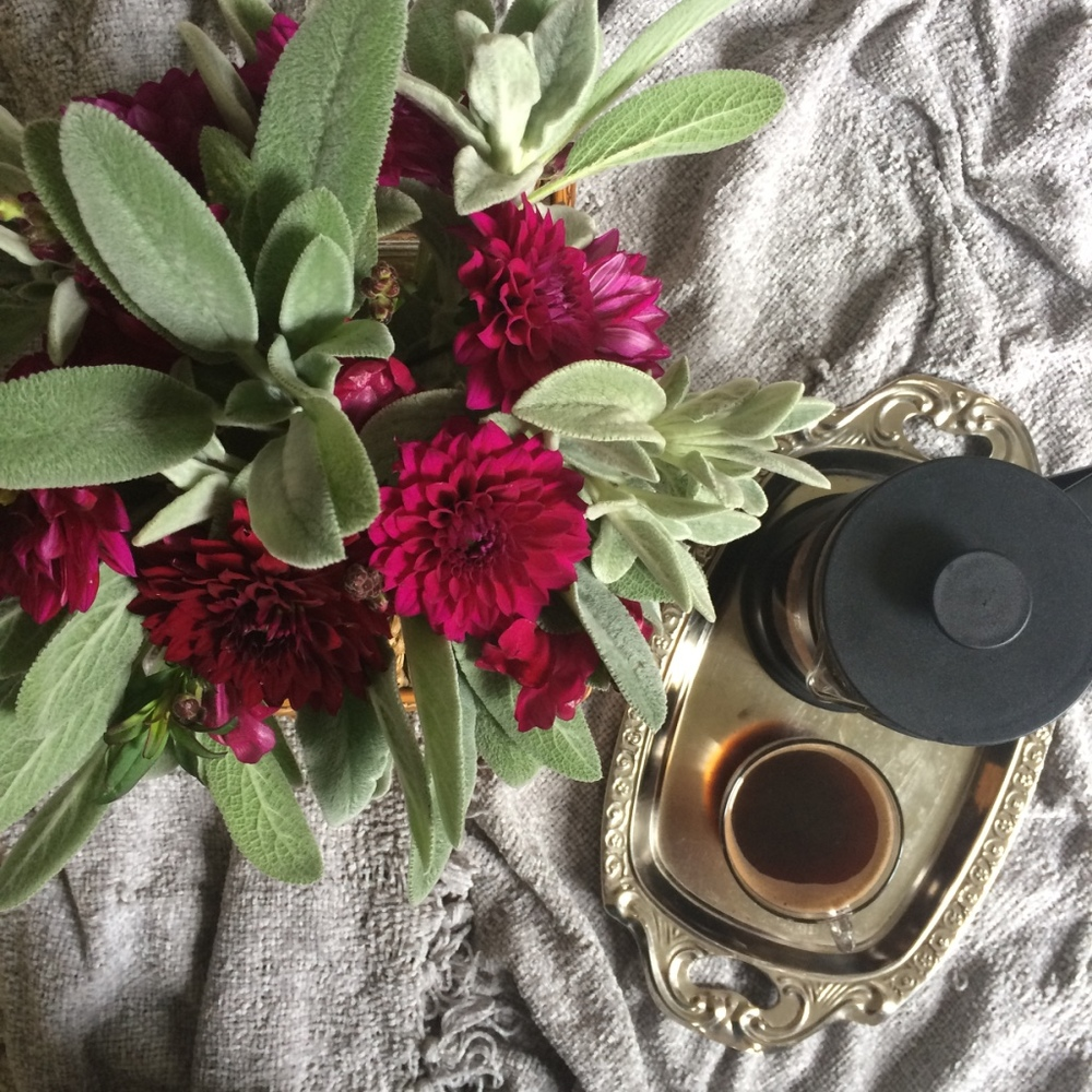 Burgundy Bouquet - Dahlia | The Simple Gospel | loveshyla.com