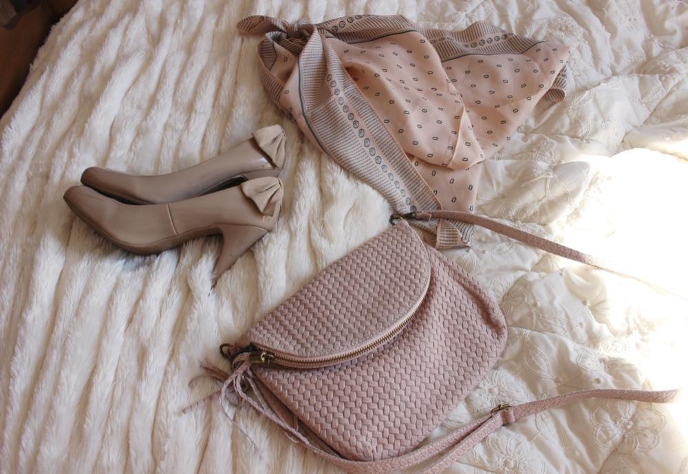 Spring Capsule Wardrobe | Loveshyla.com
