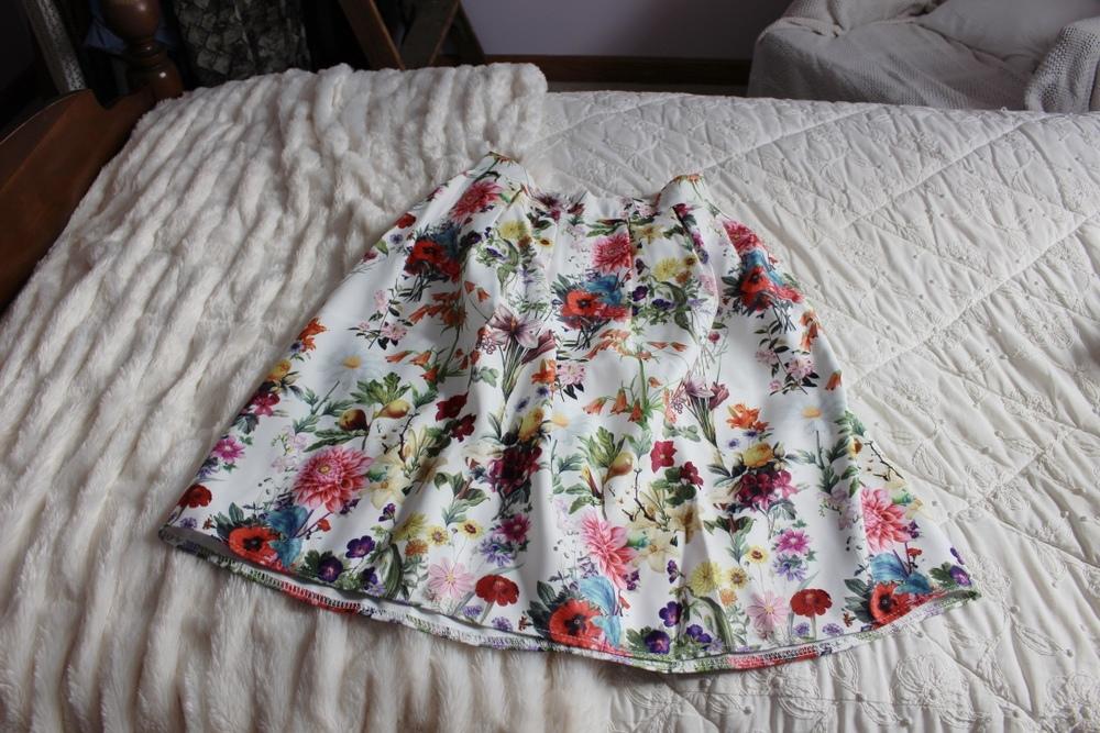 Spring Capsule Wardrobe | Floral Skirt | Loveshyla.com