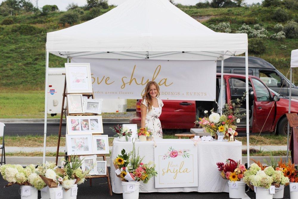 Farmer's Market Flower Stand | Bridgeport, WV