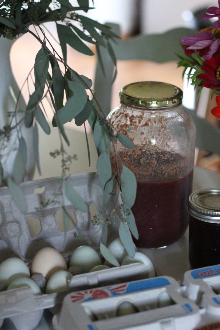 Cottage Farmhouse | Farm eggs, fresh grape juice and jam, seeded eucalyptus | Loveshyla.com