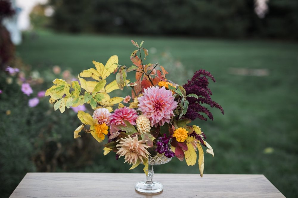Fall Floral Design in the Garden | Adrienne Gerber Photography | loveshyla.com #weddingflorist #farmerflorist