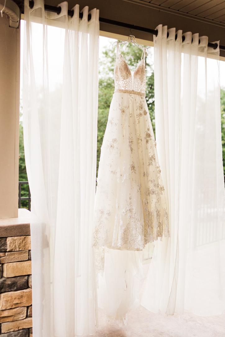 Romantic Autumn Wedding | Pete Dye Golf Club, West Virginia Wedding, Lush, Romantic, Burgundy, Red, Oxblood, Fuschia Flowers by loveshyla.com