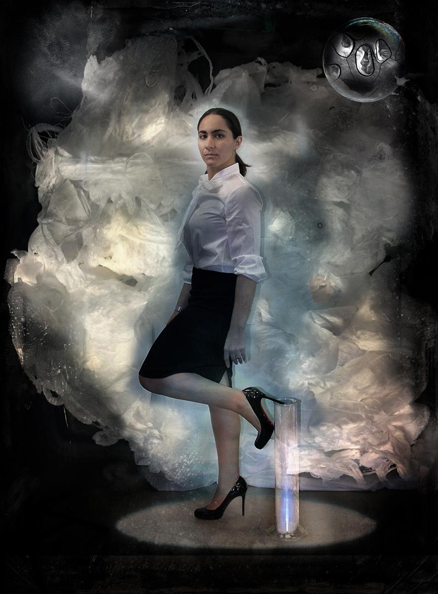 Nina Sinatra, graduate student, enveloped by a fiber cloud || by Carla Ciuffo