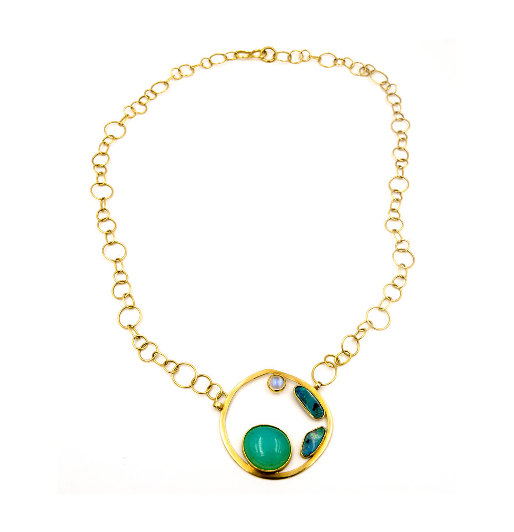 18k yellow gold circle necklace