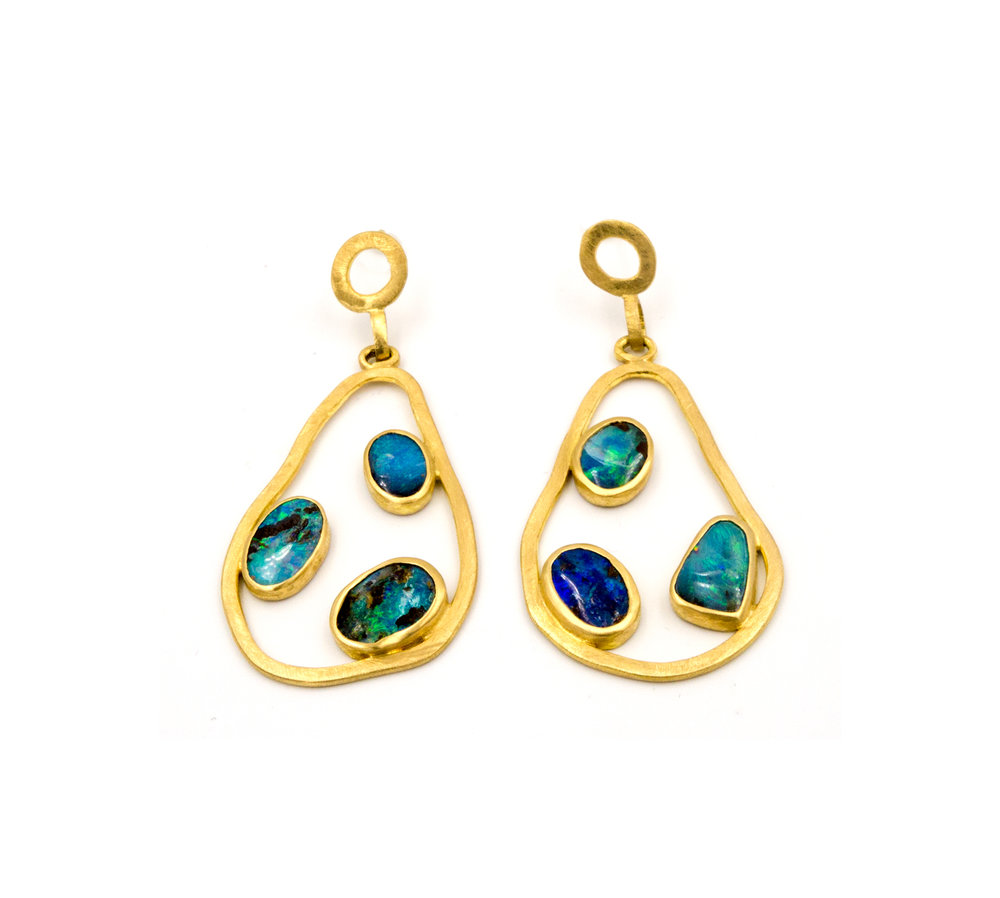 18 yellow gold and opal pear earrings