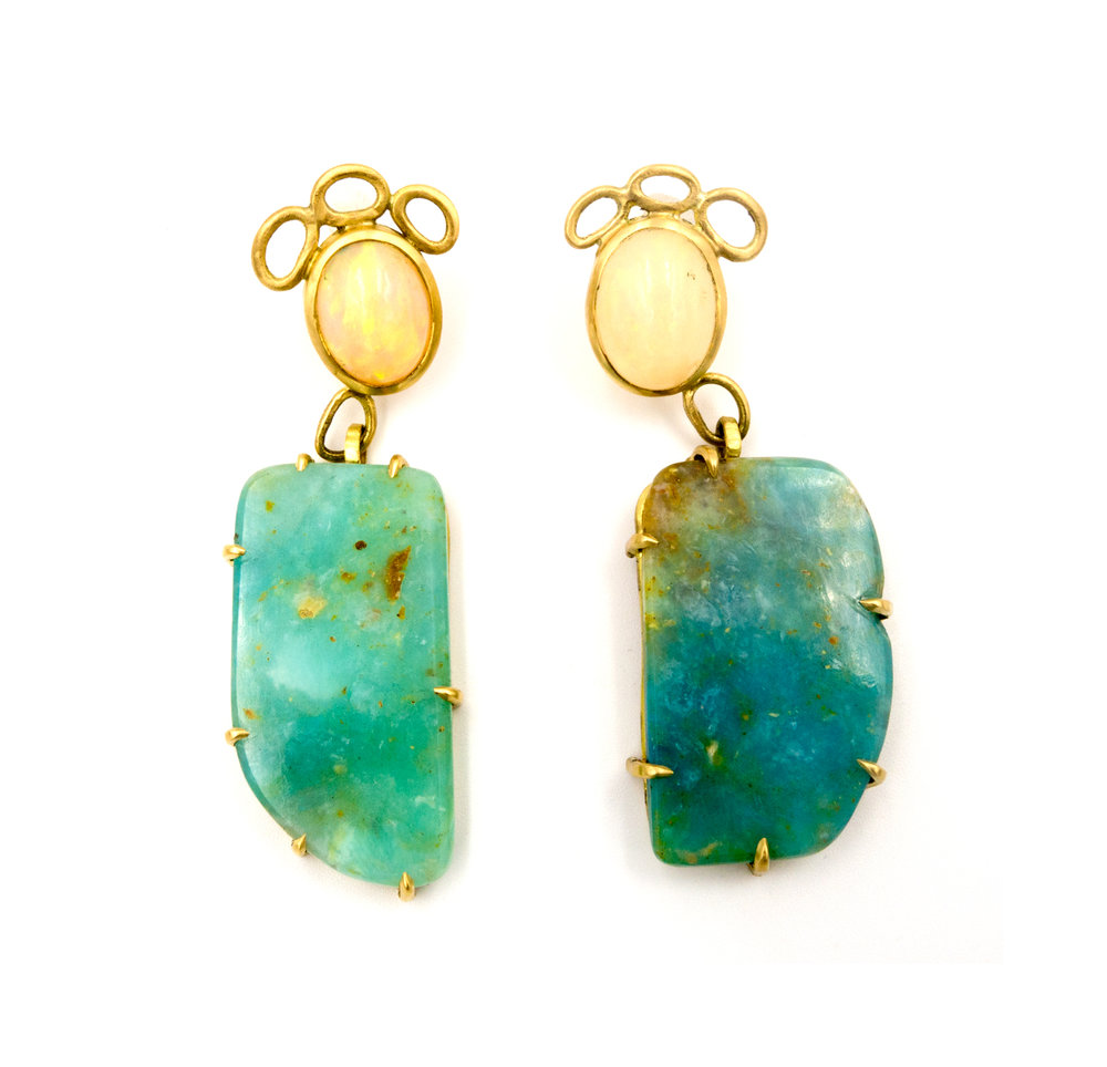 18k yellow gold and opal earrings