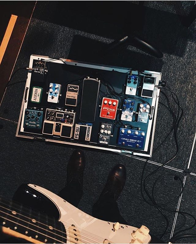 "@alex_bab this board makes me so happy. DD-20 and Fulldrive are two of my all time favorite pedals. If I was writing an entry in your yearbook I would say ""your rig is cool and you are cool. Don't ever change."" And I would totally mean it. . . . . . . . . . #pedalboard #bootsandboards #pedalporn #pedalboards #geartalk #gearnerds #guitar #strymon #duesenberg #instaguitar  #gearpassion #pedals #guitareffects #geartalk #gearpost #instadaily #guitarplayer #geartopia #guitarist"