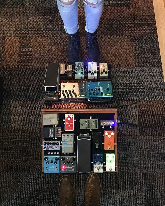 Dear @zurg_cddfrerre & @hannahshaffer, I've never been more honored to be a third wheel. I don't know what the nature of your relationship is exactly, all i'm saying is that I expect a +1 on my invite to the big day. No pressure. . . . . . #pedalboard #bootsandboards #pedalboards #geartalk #gearnerds #guitar #instaguitar  #gearpassion #pedals #guitareffects #geartalk #gearpost #instadaily #guitarplayer #geartopia #guitarist #cutecouples