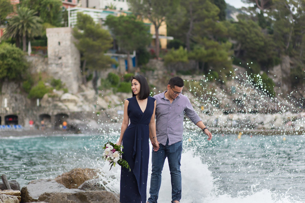 oceanside-engagement-photos-italy.jpg