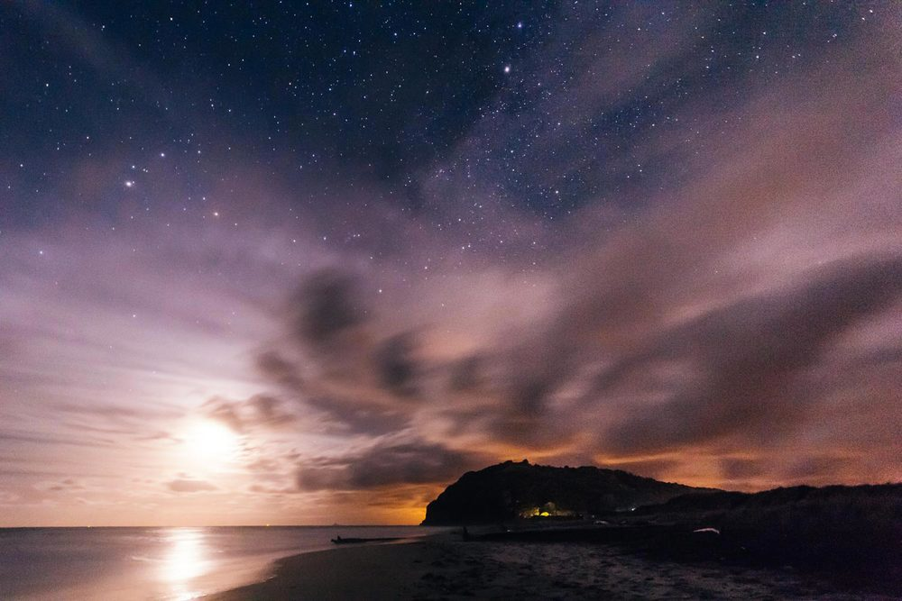 moonrise-milkyway-starscape-waihi-beach-new-zealand.jpg