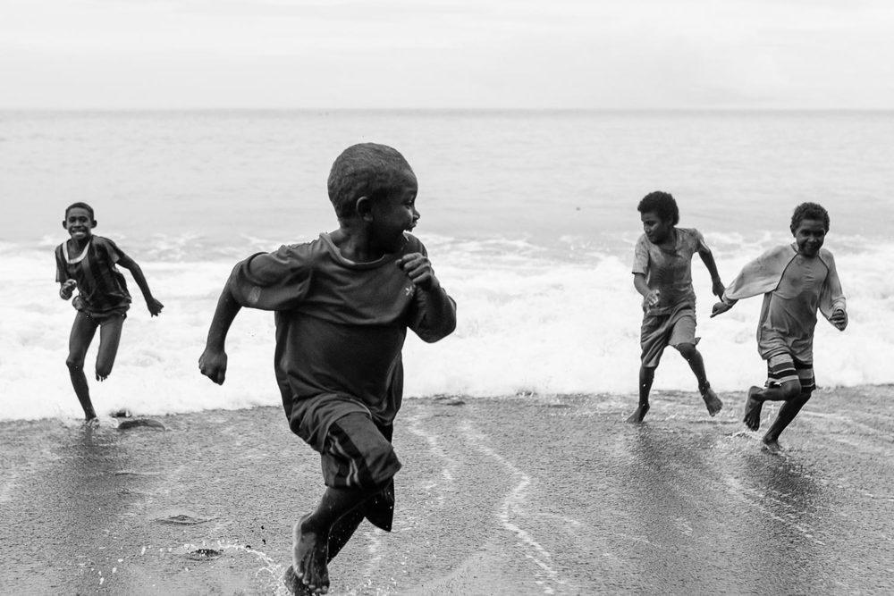 solomon-islands-lifestyle-photography-village-kids.jpg
