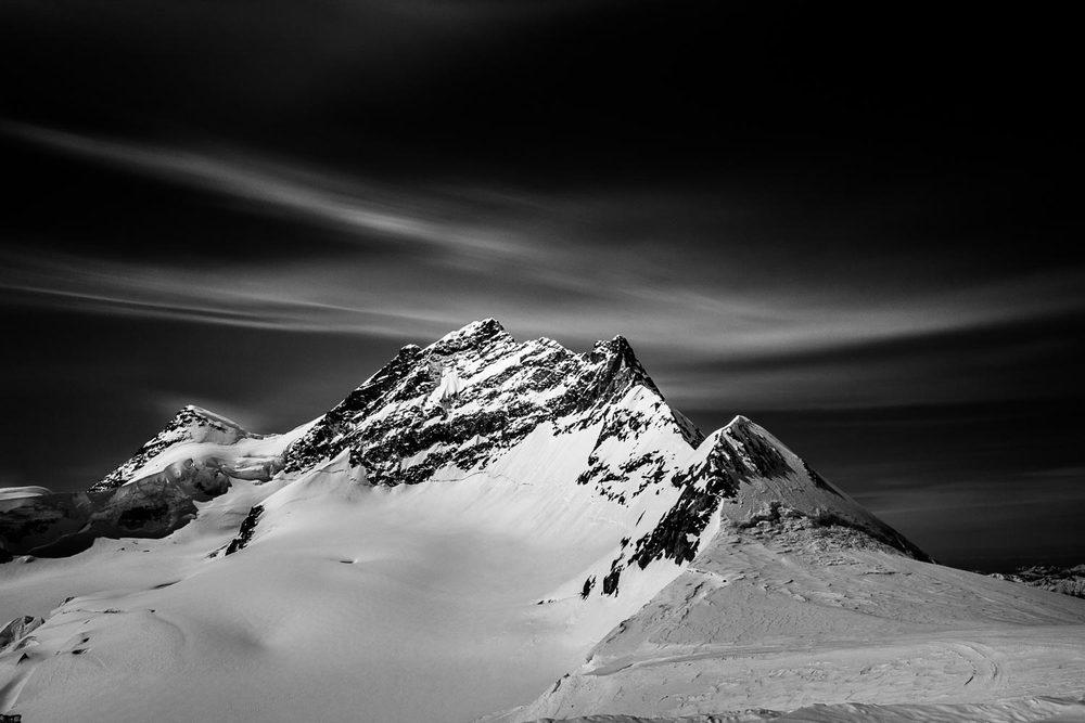 travel-photography-jungfrau-switzerland-long-exposure.jpg
