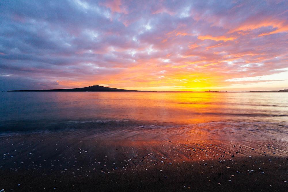 rangitoto-island-sunrise-auckland.jpg