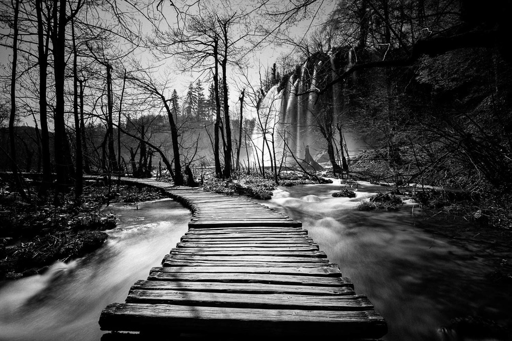 plitvice-lakes-croatia-long-exposure-black-and-white-waterfall.jpg