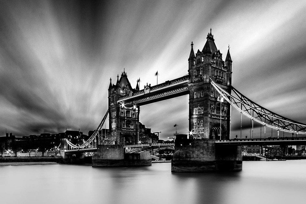 london-tower-bridge-black-and-white-long-exposure.jpg
