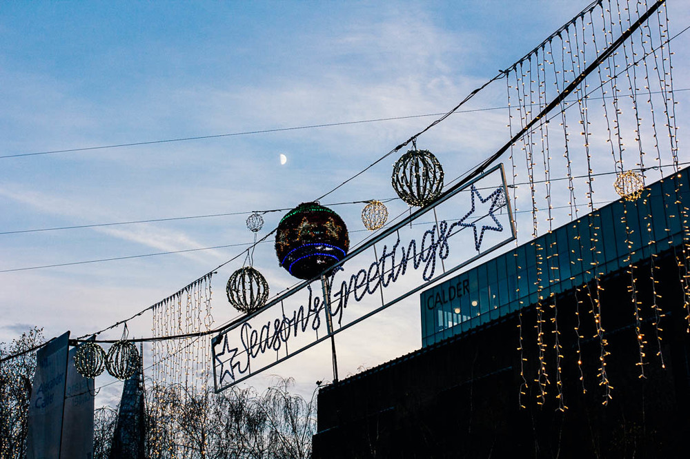 southbank-tate-modern-christmas-markets-moon.jpg