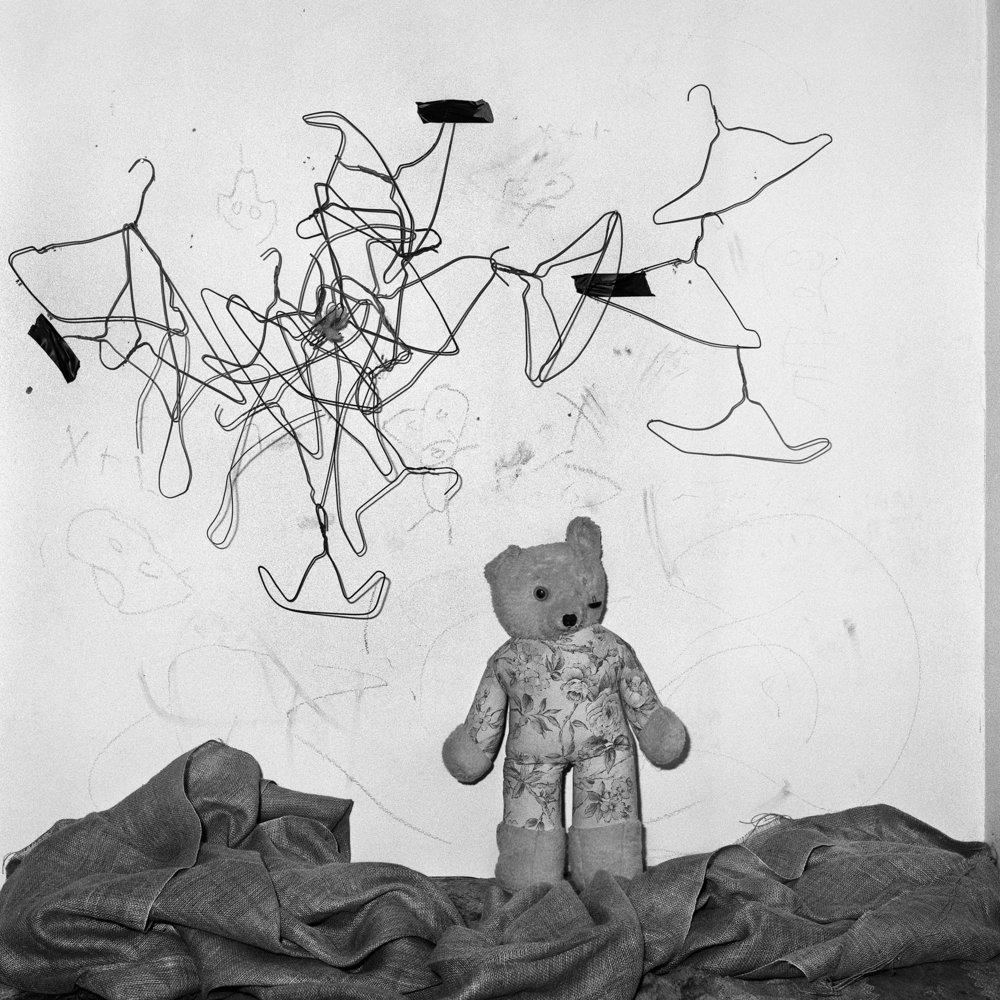 Configuration , 2003 -Edition 16/20 -40 x 40 cm                                     © Roger Ballen / Courtesy Galerie Karsten Greve