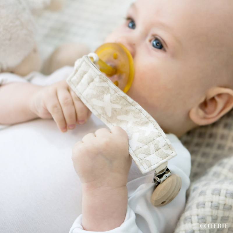 Kisses dummy clip in alabaster - eco friendly and organic baby product by Bluebrontide. Win one in Digibloom's giveaway!