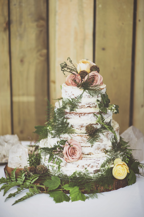 Woodland Wedding cake:  Didi Sherman , Photo:  On Love and Photography