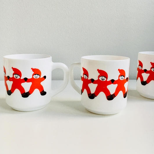 Glass Christmas mugs