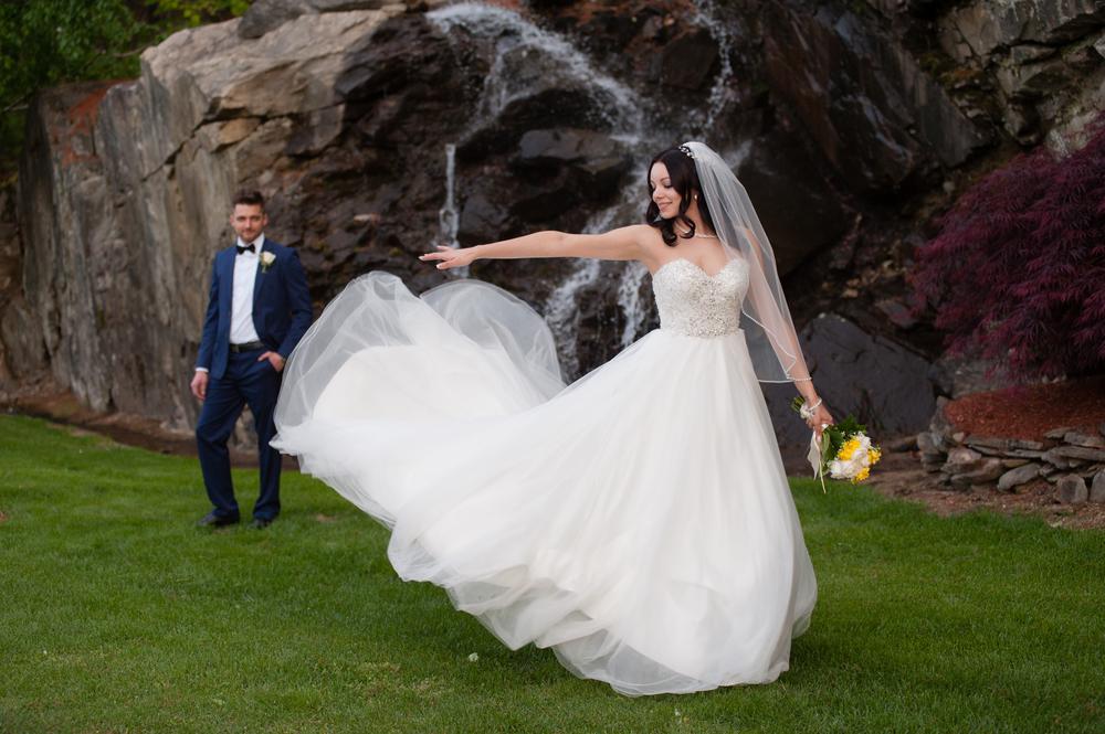 waterfall.wedding