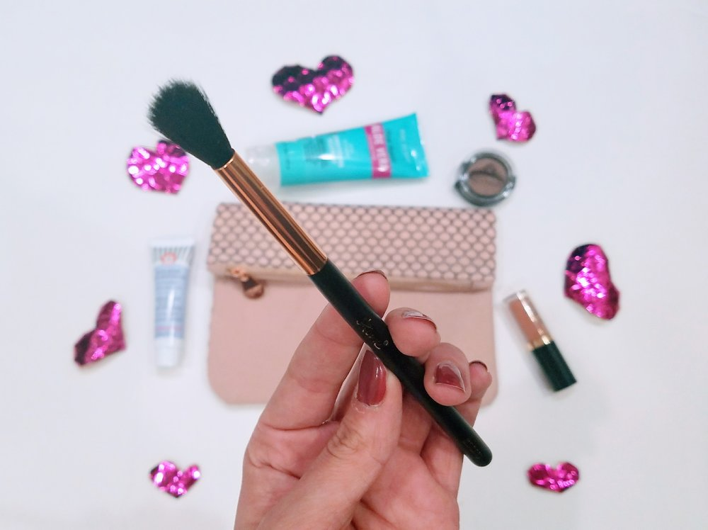 Skone Cosmetics blending brush. Ipsy Bag