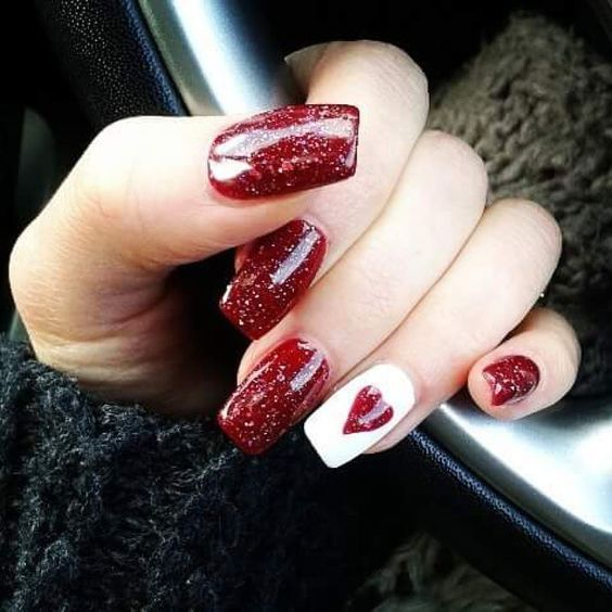 Red and white nails for Valentine's Day.